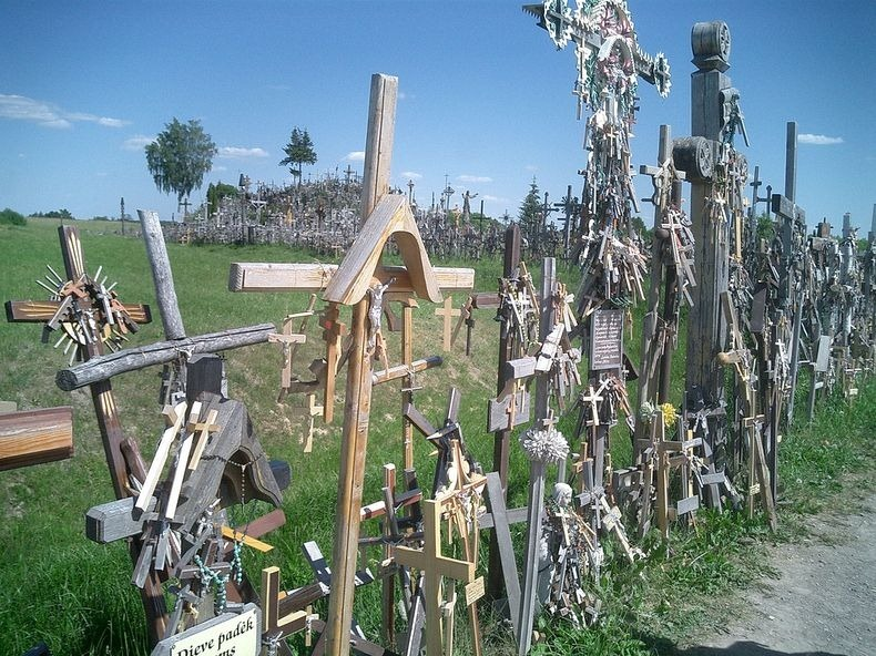 hill-of-crosses-10