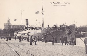 El vapor REINA VICTORIA atracado en Málaga. Foto cedida por Laureano García De la pagina web TRASMESHIPS. Colección LGF. POSTAL.jpg