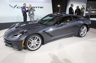 Corvette-Stingray-C711[2]