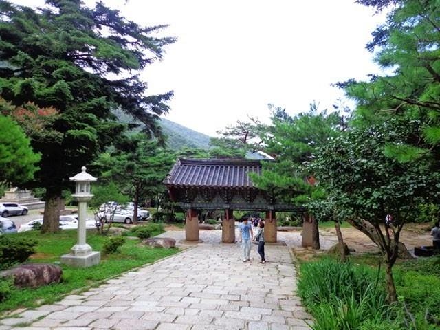 du-lic-tam-linh-han-quoc-tham-chua-co-ngan-nam-tuoi (3)