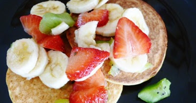 We can begin to feed...: Vanilla and Cinnamon Coconut Pancakes
