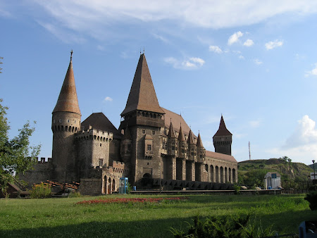 Sights of Romania: Castle of Hunedoara