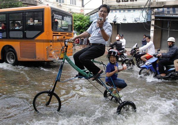 APTOPIX Thailand Floods