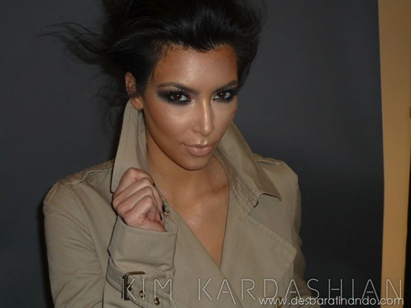 kim-kardashian-linda-sensual-sexy-sedutora-boob-peitos-decote-ass-bunda-gostosa-desbaratinando-sexta-proibida (19)