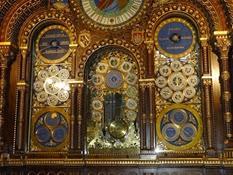 2014.09.11-026 horloge astronomique dans la cathédrale Saint-Pierre
