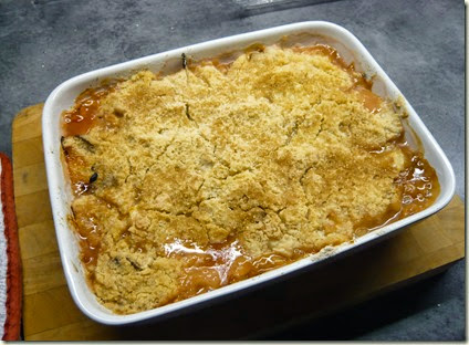 rhubarb, ginger and white chocolate crumble