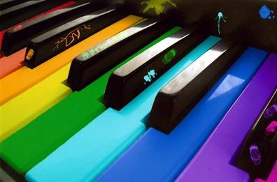 piano-teclas-coloridas