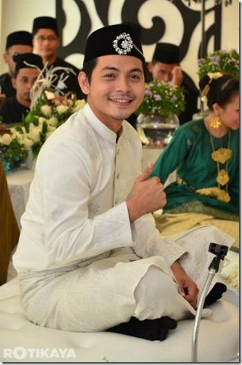 Gambar Sekitar Perkahwinan Izzue Islam Dan Awin -14