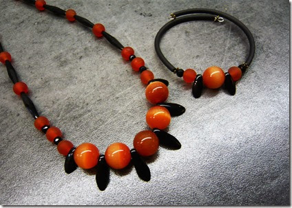 black and coral necklace set2