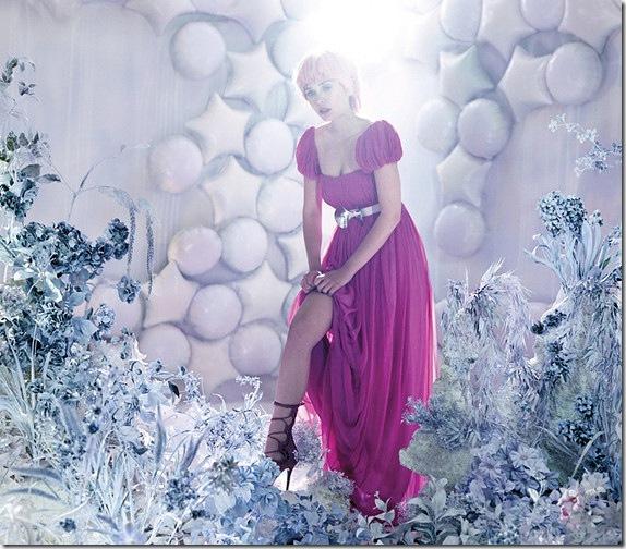 elizabeth-olsen-pink-3