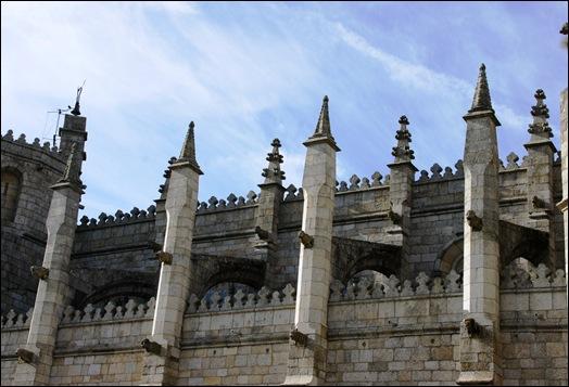 Gloria Ishizaka - Guarda - Sé Catedral - exterior