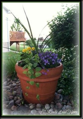 planting flowers7arlh