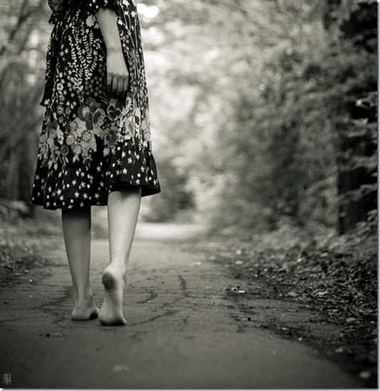 woman-walking-barefoot