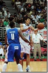 菲律賓11號多希特(左) 中華11號陳信安(右)