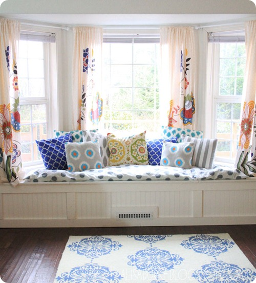 A window seat in the kitchen from Thrifty Decor Chick