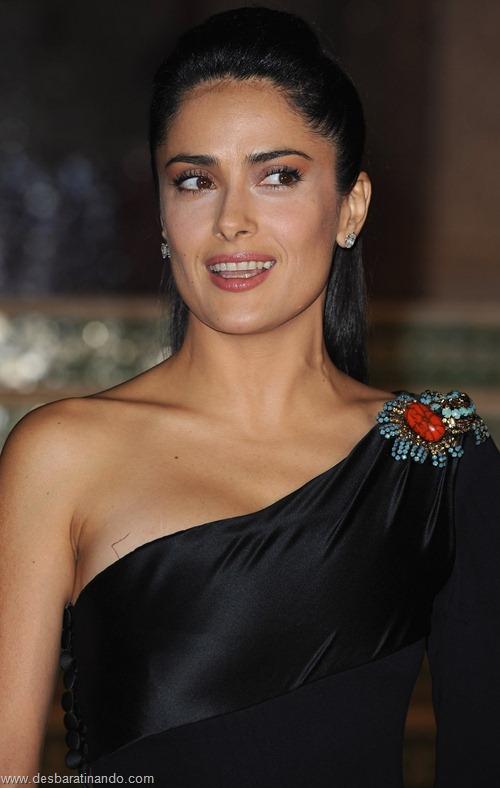 salma hayek linda sensual sexy sedutora gostosa peituda boob tits desbaratinando  (4)