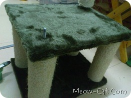 how to building cat tree -Assemble the posts and base 3