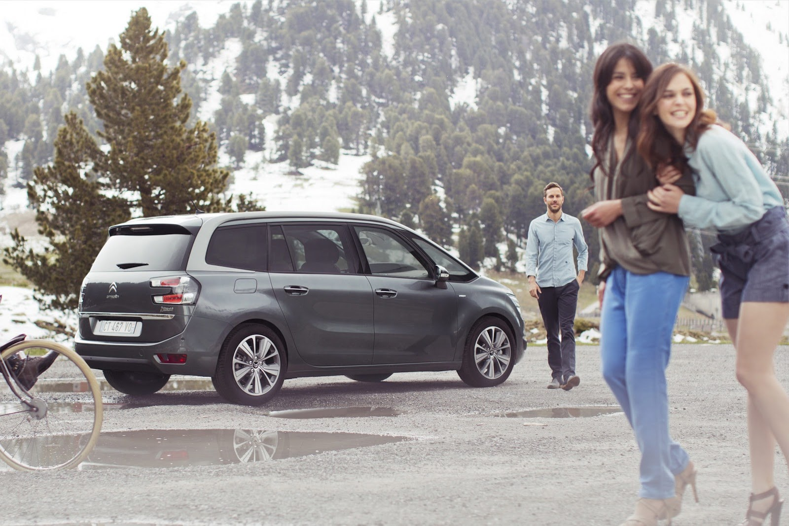[SUJET OFFICIEL] Citroën Grand C4 Picasso II  - Page 4 Citroen-Grand-C4-Picasso-17%25255B2%25255D