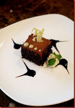 Gianduja Truffle Mousse Cake