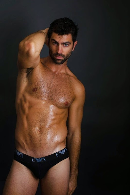 Alejandro-Guardiola-by-Photographer-Fritz-Yap-141104-09