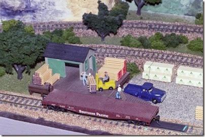 55389544-23 Dad's Layout in Summer 2004