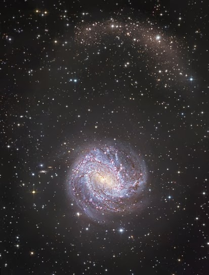 estrelas e galáxia M83