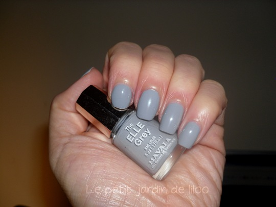 elle-magazine-september-2011-free-mavala-nail-polish-grey-03