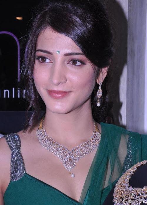 Shruti Hassan Hot Navel Photos 2012 13
