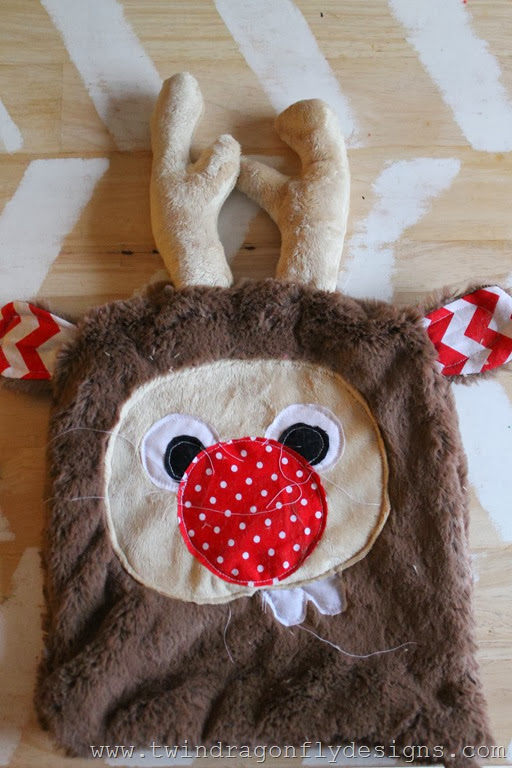 Holiday Plush Reindeer (12)