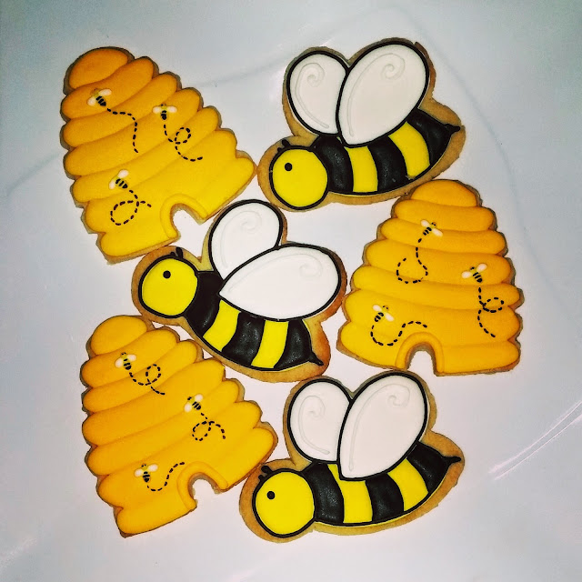 bee and hive theme cookies