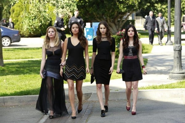 -pretty-little-liars