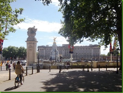 012-1  Buckingham Palace
