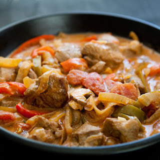 Turkey Stew with Peppers and Mushrooms