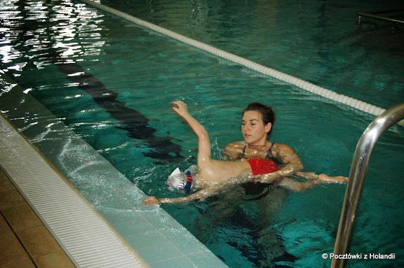 Podcza pływania ręce powinny pracować - tego się właśnie uczę