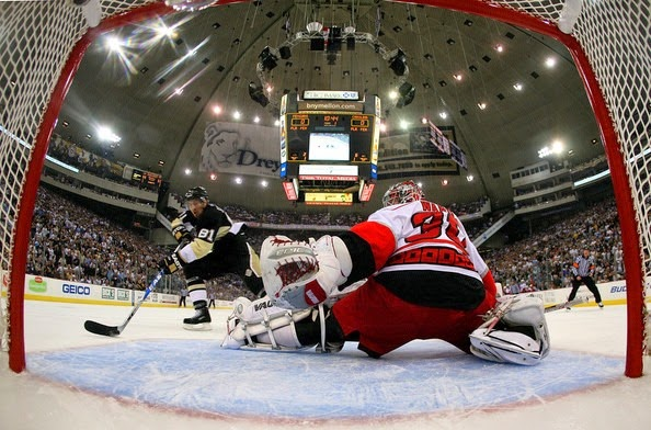 Carolina Hurricanes v Pittsburgh Penguins IneDrILGRThl