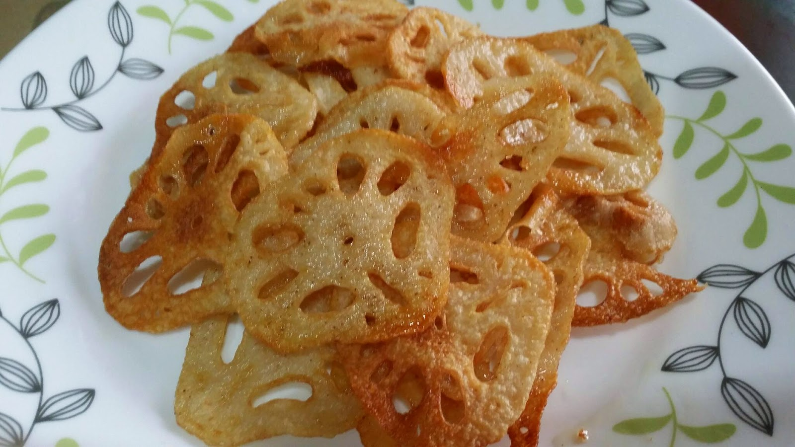 Zulfaza Loves Cooking Lotus Root Chips