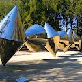 Cones_-_Bert_Flugelman.jpg