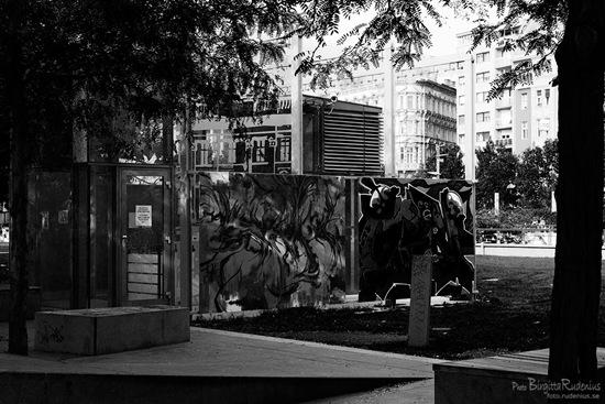 bw_20110919_graffiti_maxdark