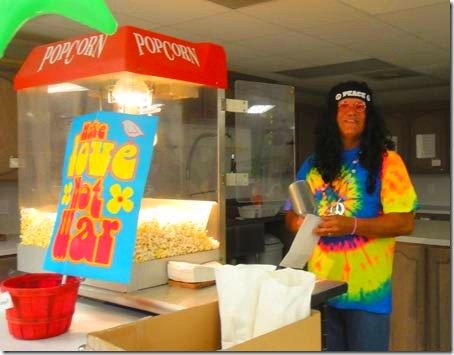 1-paul-popcorn-machine