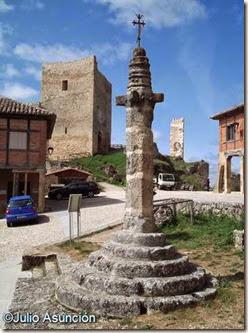 Calatañazor - rollo y castillo
