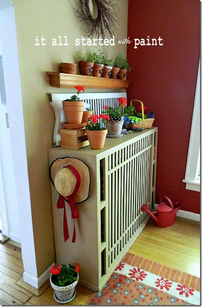 potting_bench_summer_mantel_gardening_hat