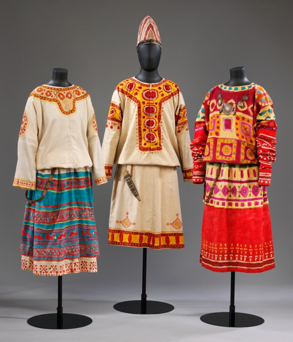 2010EA0318_costumes_roerich