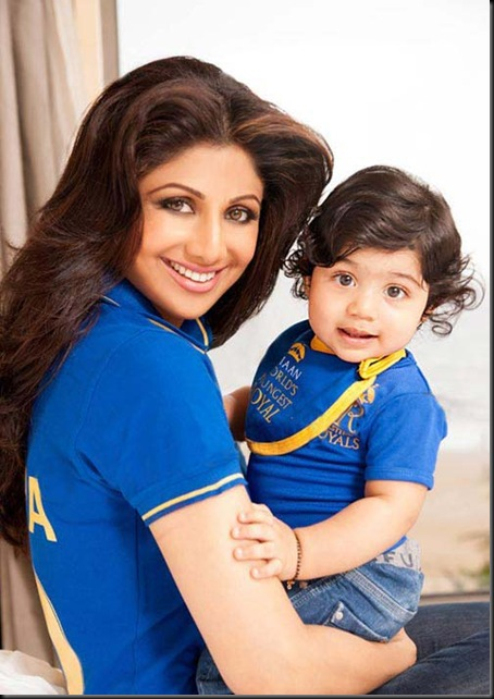 Shilpa-Shetty-son-Viaan-photo-shoot-for-Hello