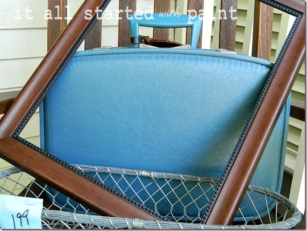 vintage_thrift_store_blue_suitcase