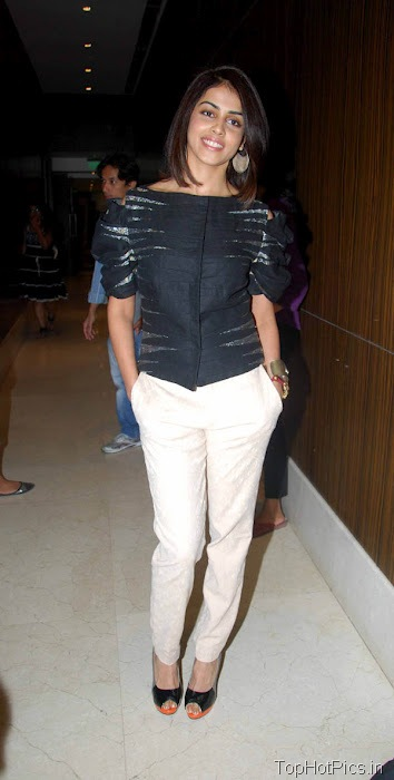 Genelia Hottest Pics in White Pants 1