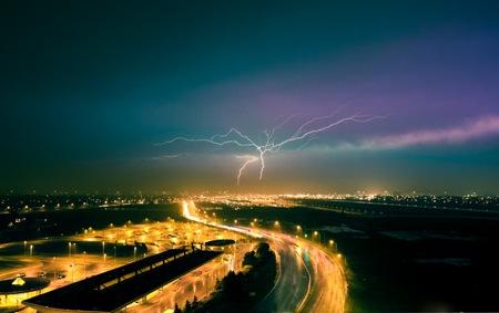 20110530013825_lightning strike2