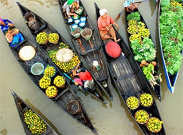 7- Muara Kuin – O mercado flutuante
