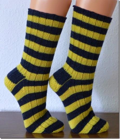 2014_06 Biene Maja Socken für Kerstin (2)