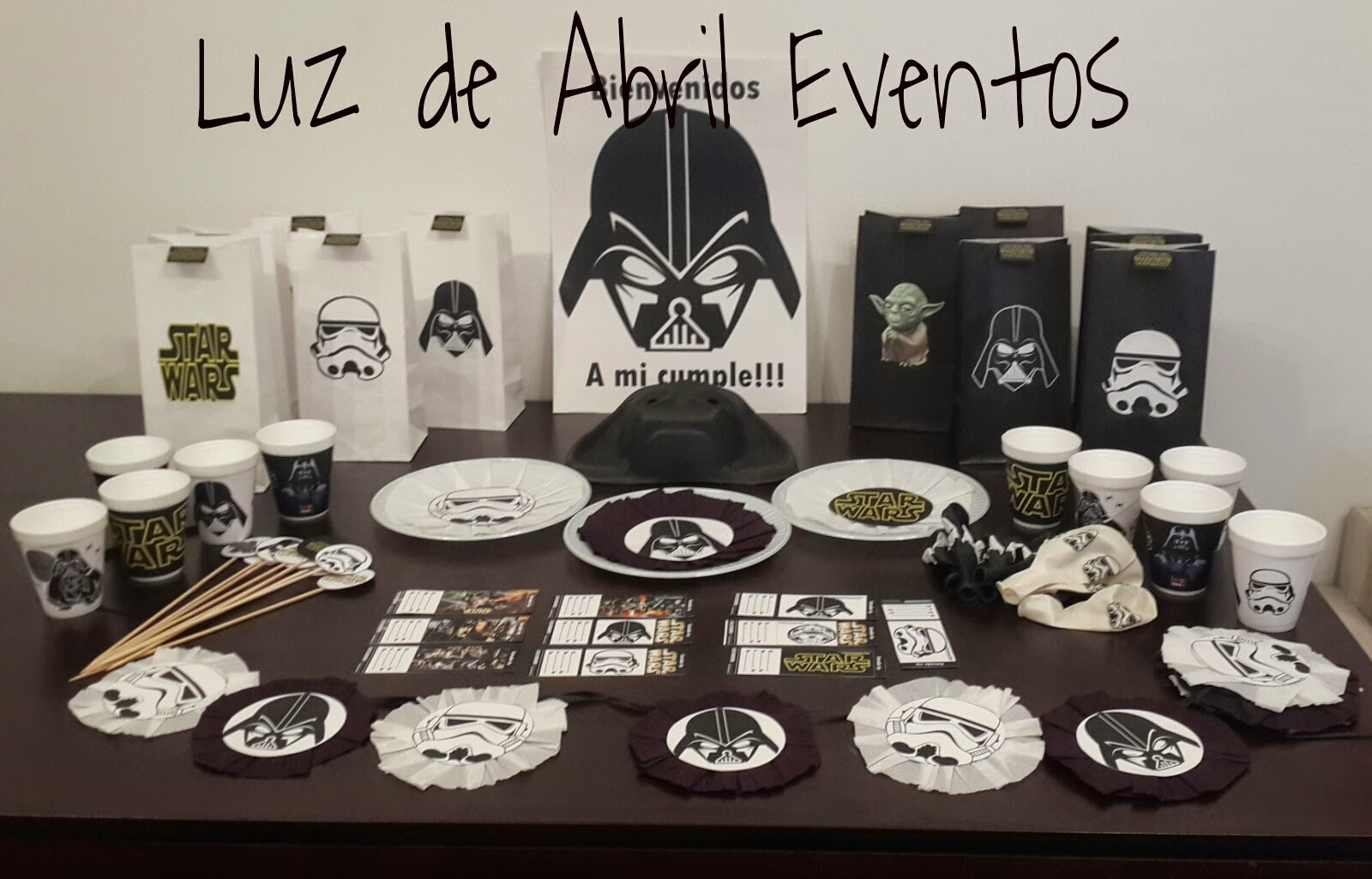 Luz de abril eventos cotillon star wars for Decoracion star wars