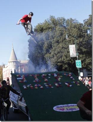 20111206__lgparade~3_GALLERY